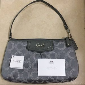 NWT Coach Ashley Dotted OP Art Large Wristlet